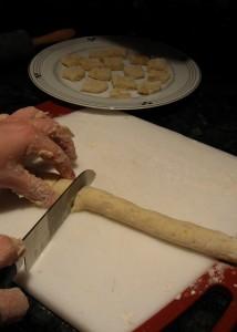 cutting-dough-into-gnocchi